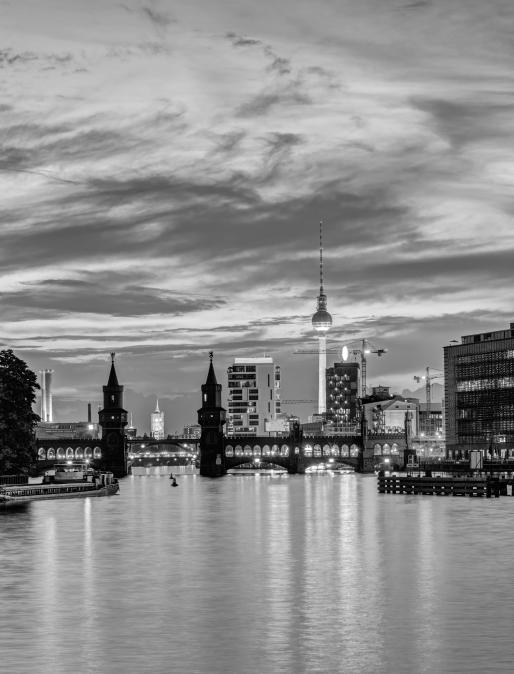 Bild von Berlin mit Fernsehturm und Oberbaumbrücke | 3DT UG – Ihr digitaler Thinktank