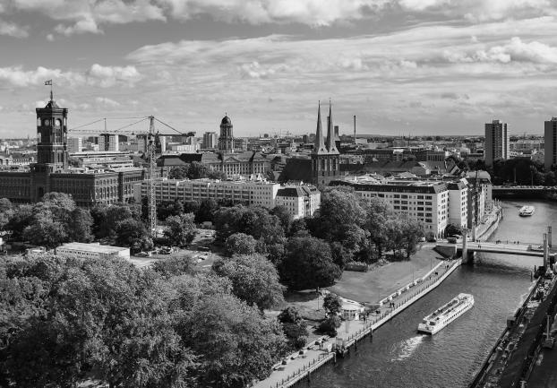 Bild von Berlin mit rotem Rathaus | 3DT UG – Ihr digitaler Thinktank